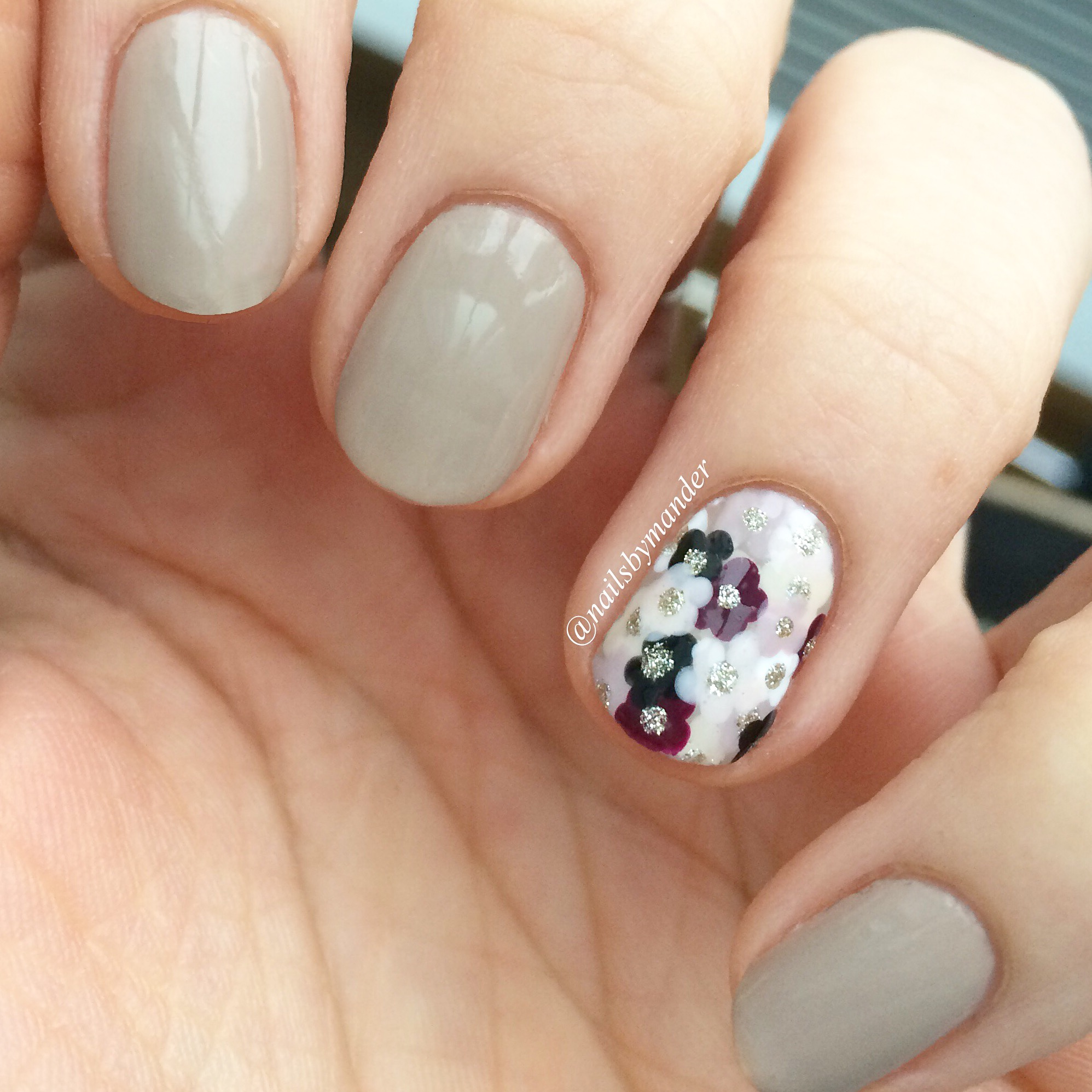 Flower Accent Nail | The Painted Panda